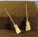 O SCALE BROOMS