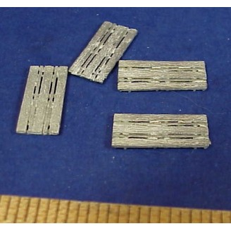 HO SCALE LONG WOOD PALLETS