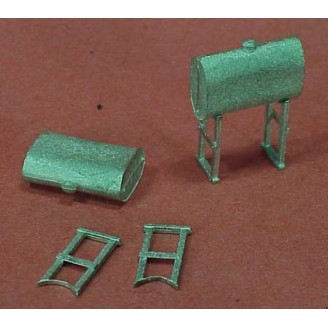 HO SCALE FUEL OIL TANKS WITH STANDS