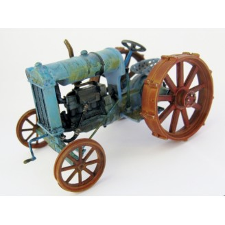 O SCALE FORD STYLE FARM TRACTOR