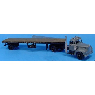 HO SCALE MACK B SERIES SEMI WITH FLAT BED TRAILER KIT