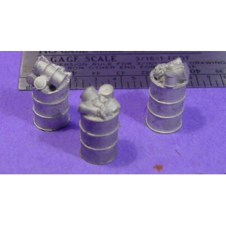 S SCALE / Sn3 DETAIL PARTS : 55 GALLON DRUMS WITH TRASH