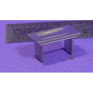 S SCALE / Sn3 DETAIL PARTS : WORKSHOP OR STORE TABLE