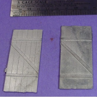 S SCALE / Sn3 DETAIL PARTS : BARN OR FREIGHT DOORS