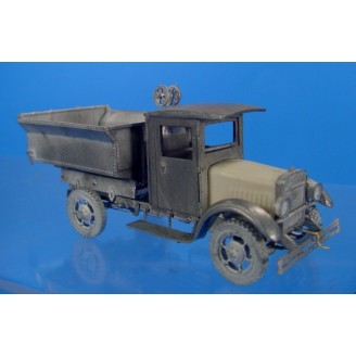 O SCALE KLEIBER CLOSED CAB DUMP TRUCK