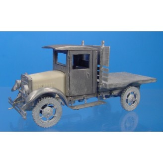 O SCALE KLEIBER CLOSED CAB FLAT BED TRUCK