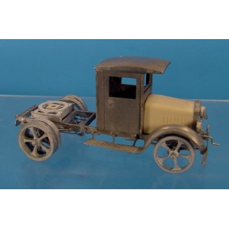 O SCALE KLEIBER CLOSED CAB SEMI TRUCK WITH 5 SPOKE WHEELS